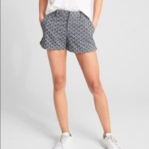 🐞GAP Eyelet Chambray City Shorts
